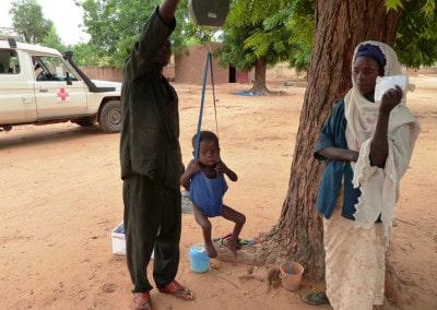 les_enfants_malnutris_sont_peses_regulierement